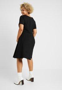 ONLY Carmakoma - CARFAVORITE KNEE DRESS - Jersey dress - black - 3