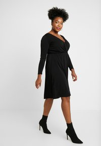 ONLY Carmakoma - CARCAROLEI KNEE DRESS - Vestido ligero - black - 2