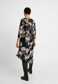 ONLY Carmakoma - CARMYRA 3/4 CALF DRESS - Vestido ligero - black - 3
