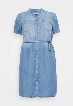 CARUSH LIFE KNEE DRESS - Denim dress - light blue denim