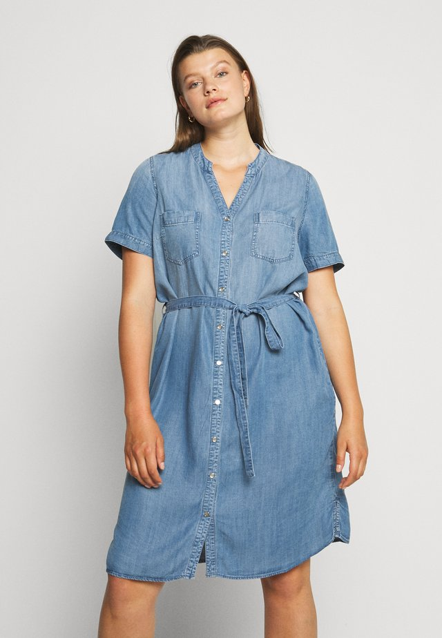 CARUSH LIFE KNEE DRESS - Denim dress - light blue denim