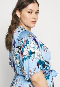 ONLY Carmakoma - CARFLONE BAT SLEEVE DRESS - Maxi šaty - placid blue - 4