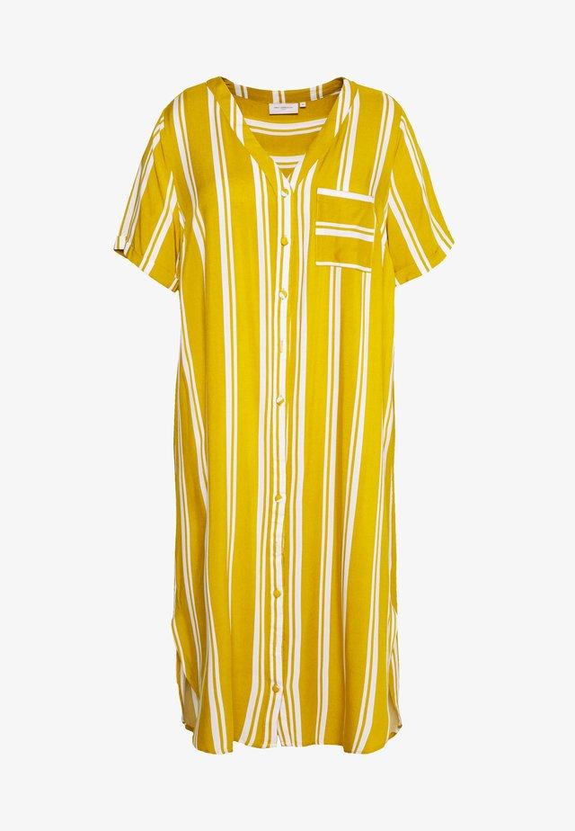CARDENIZIA SHIRT DRESS - Denní šaty - golden spice/cloud dancer