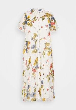 CARSPIRIT CALF DRESS - Robe chemise - cloud dancer