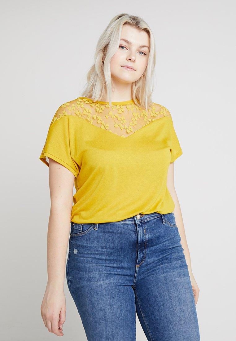 ONLY Carmakoma - CARLINN MIX - Camiseta estampada - lemon curry