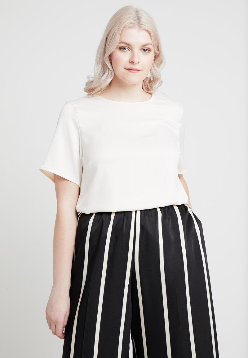 ONLY Carmakoma - CARBELLAS - Blouse - cloud dancer