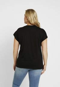 ONLY Carmakoma - CARJESSIE ONE TEE - T-shirts - black - 2