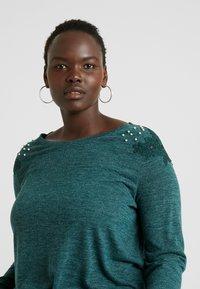 ONLY Carmakoma - CARCAMER - T-shirt à manches longues - ponderosa pine - 3