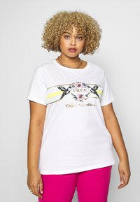 ONLY Carmakoma - CARAMALFI LIFE TEE - Print T-shirt - bright white/honey dew - 0