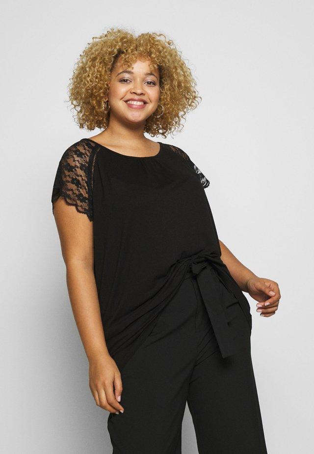CARAMBER - T-shirt med print - black
