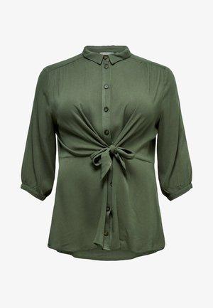 MET 3/4 MOUWEN CURVY EFFEN GEKLEURD - Camisa - dark green