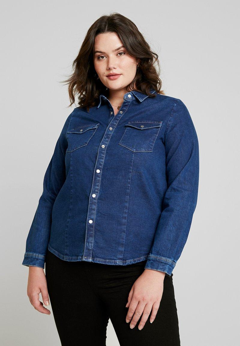 ONLY Carmakoma - CARSANDY SHIRT - Camisa - dark blue denim
