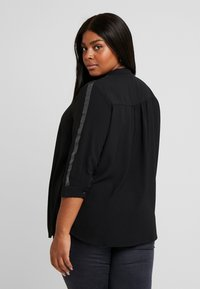 ONLY Carmakoma - Blouse - black/glitter tape - 2
