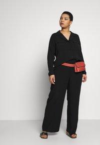 ONLY Carmakoma - CARFELINE - Button-down blouse - black - 1
