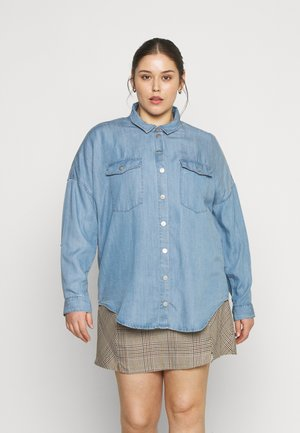 CARUSH LIFE OVERSIZE - Button-down blouse - light blue denim