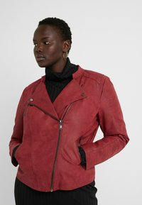 ONLY Carmakoma - CARAVANA BIKER - Faux leather jacket - red pear - 3
