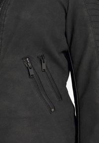 ONLY Carmakoma - CARAVANA BIKER - Imiteret læderjakke - black - 5