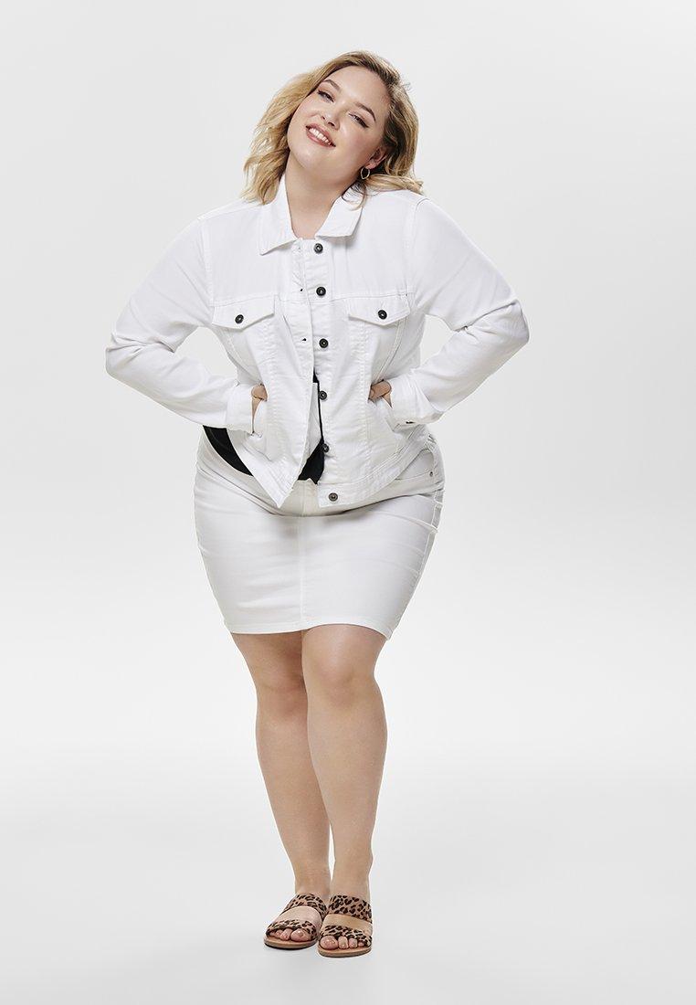ONLY Carmakoma - Džínová bunda - white