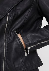 ONLY Carmakoma - CAREMMY BIKER - Giacca in similpelle - black - 5