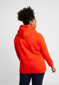 ONLY Carmakoma - CARMELIND HIGHNECK - Hoodie - orange - 2
