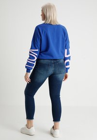 ONLY Carmakoma - CARWILLY - Jeans Skinny - medium blue denim - 2