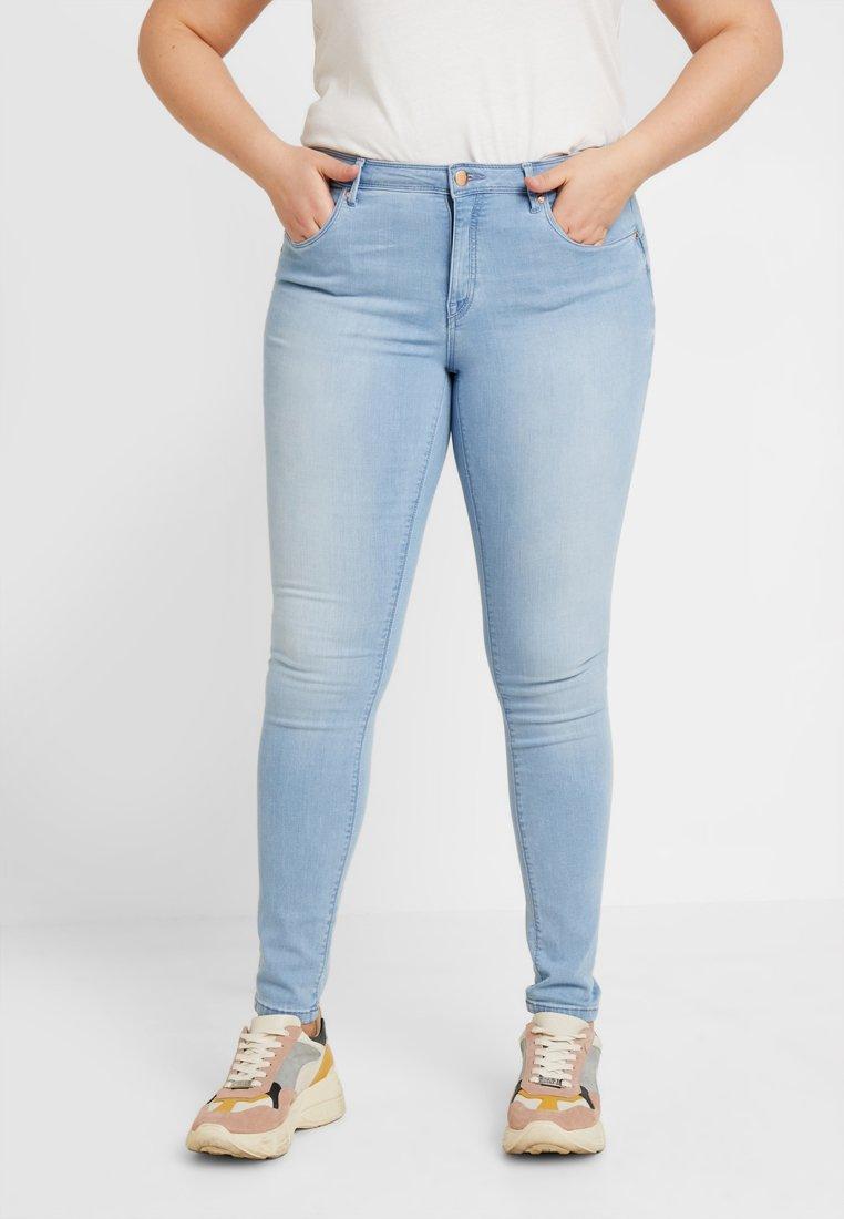 ONLY Carmakoma - CARAL REG  SHAPE UP - Jeans Skinny Fit - light blue denim