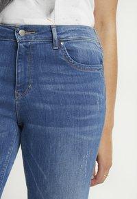 ONLY Carmakoma - CARKARLA ANKLE - Jeans Skinny Fit - medium blue denim - 4