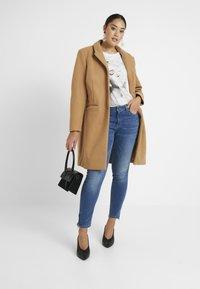 ONLY Carmakoma - CARKARLA ANKLE - Jeans Skinny Fit - medium blue denim - 1