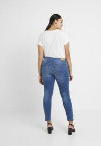 ONLY Carmakoma - CARKARLA ANKLE - Jeans Skinny Fit - medium blue denim - 2