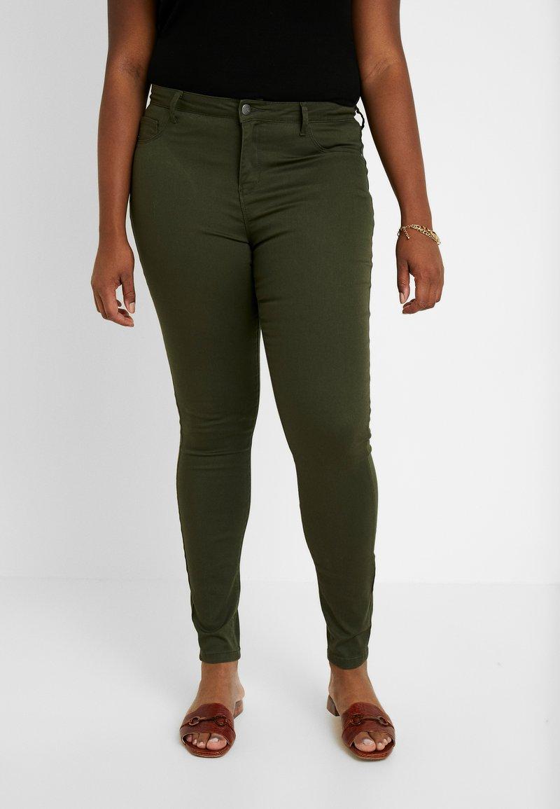 ONLY Carmakoma - CARTHUNDER  PUSH UP REG - Jeans Skinny Fit - dark green