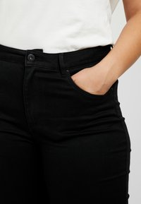 ONLY Carmakoma - CARAUGUSTA  - Jeans Skinny Fit - black - 3