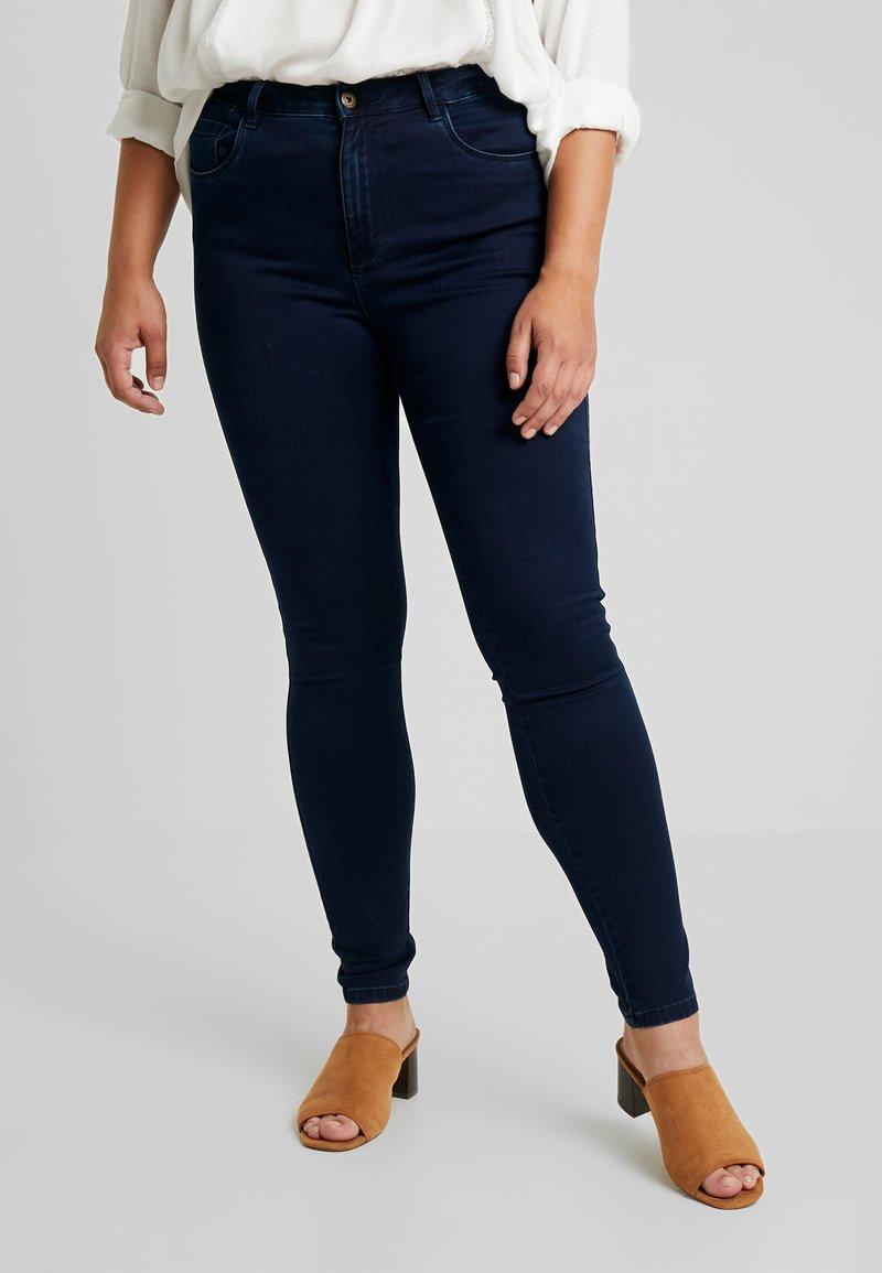 ONLY Carmakoma - CARAUGUSTA - Jeans Skinny Fit - medium blue denim