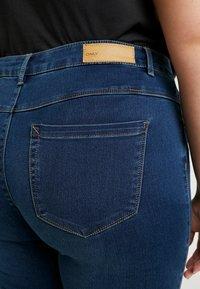 ONLY Carmakoma - Jeans Skinny Fit - medium blue denim - 5