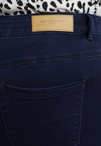 ONLY Carmakoma - Jeans Skinny Fit - dark blue denim - 5