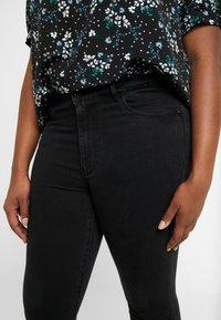 ONLY Carmakoma - CARRINA - Jeans Skinny Fit - black - 5