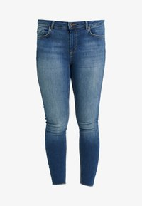 ONLY Carmakoma - CARWILLY - Jeans Skinny Fit - medium blue - 3