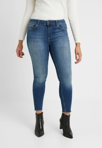 ONLY Carmakoma - CARWILLY - Jeans Skinny Fit - medium blue - 0