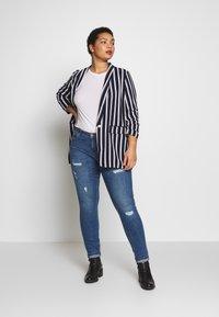 ONLY Carmakoma - CARCARMA REGULAR SLIM  - Jeans slim fit - medium blue denim - 1