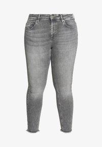 ONLY Carmakoma - CARWILLY - Jeans Skinny Fit - grey denim - 6