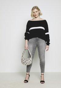 ONLY Carmakoma - CARWILLY - Jeans Skinny Fit - grey denim - 3