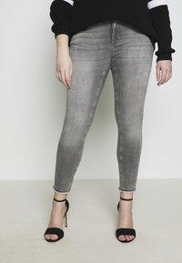 ONLY Carmakoma - CARWILLY - Jeans Skinny Fit - grey denim - 4