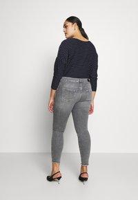 ONLY Carmakoma - CARWILLY - Jeans Skinny Fit - grey denim - 0