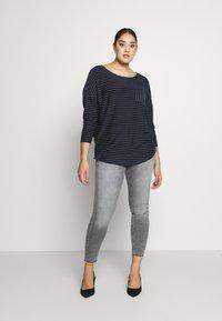 ONLY Carmakoma - CARWILLY - Jeans Skinny Fit - grey denim - 1