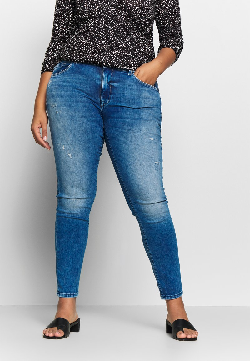 ONLY Carmakoma - CARPISA DESTRO - Slim fit jeans - medium blue denim
