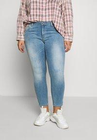 ONLY Carmakoma - CARKARLA LIFE - Jeans Skinny Fit - light blue denim - 0