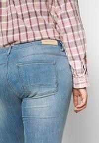 ONLY Carmakoma - CARKARLA LIFE - Jeans Skinny Fit - light blue denim - 3