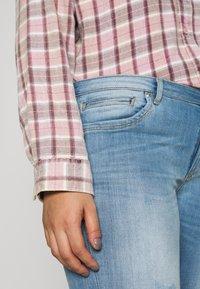 ONLY Carmakoma - CARKARLA LIFE - Jeans Skinny Fit - light blue denim - 5