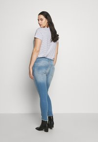 ONLY Carmakoma - CARWILLY - Jeans Skinny Fit - light blue denim - 2