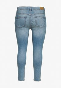 ONLY Carmakoma - CARWILLY RAW - Jeans Skinny Fit - light blue denim - 1