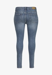 ONLY Carmakoma - CARWILLY - Jeans Skinny Fit - medium blue denim - 1